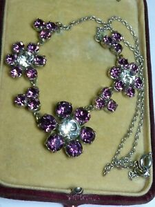 Lovely Vintage1950s sparkly daisy flower purple clear glass rhinestone necklace