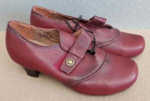 BNWT Ladies Sz 37 6 Rivers Brand Riversoft Burgundy Strap Low Heel Sandals Shoe