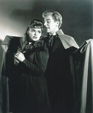 Yvonne Monlaur and David Peel UNSIGNED photo - H7854 - The Brides of Dracula