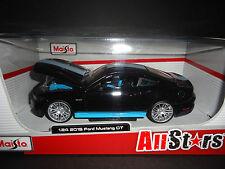 Maisto Ford Mustang GT 2015 All Stars Negro Con Azul Raya 1/24