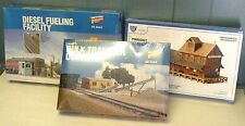 WALTHERS IHC HO TRAIN ACCESSORIES LOT, 3 KITS, DIESEL FUELING, CONVEYOR, STATION