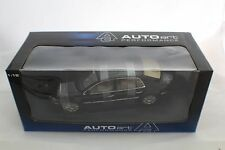 1-18 Autoart VW PHAETON BLACK  # 79741