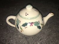 HARTSTONE POTTERY for L.L. BEAN -CHRISTMAS GARLAND - 6 cup TEAPOT