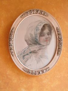 Antique White Oval Floral Barbola Accents Frame