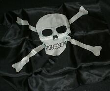 Picture Silk 18 inch -Skull and Crossbones pirate motif - Aarrrr, matey! Tmgs