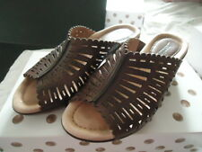 "EARTH Brand, ""Sundew"" Brown Leather Slide Sandal, 6M, Very Good Used!"