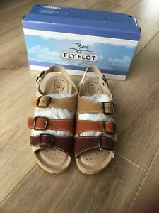 Ladies NEW Fly Flot Leather Sandals Size 6