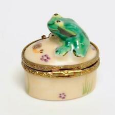 ROCHARD LIMOGES HAND PAINTED PORCELAIN SMALL FIGURAL FROG TRINKET BOX