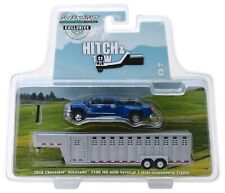 1:64 GreenLight *BLUE* 2018 Chevrolet Silverado Dually w/LIVESTOCK TRAILER NIP