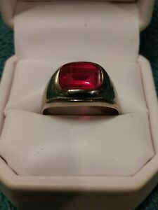 VINTAGE 10K WHITE GOLD MENS RING WITH RED GEMSTONE RUBY