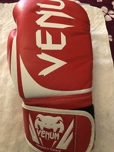 venum boxing gloves 14oz