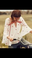 Cute Anthropologie Floret Embroidered Top Shirt Size 6 White & Burgundy