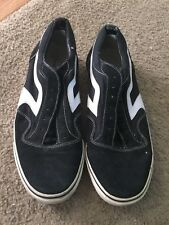 Nice men's size 13 Air Speed black white sneakers NO LACES, NEED REPLACING