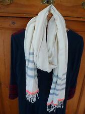 Pieces Schal mit Fransen beige blau rot gestreift Neu mit Etikett !
