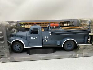1:16 Highway 61 Collectibles 1941 Chevrolet RAF Pumper Fire Tuck #50340