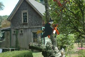 "WITCH WHIRLIGIG–""FLYING WITCH""–WEATHERVANE–WHIRLIGIG–ALL WOOD–HANDMADE & PAINTED"