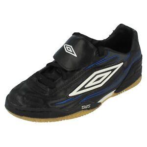 Boys Umbro Black/Wht/grey/Blue Lace Up Football Style Trainers DINAMO JR