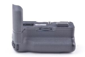MINT VG-XT4 VERTICAL BATTERY GRIP FOR X-T4 CAMERA, BARELY USED