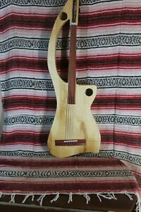 "Bass Fretless 4 String Slim Banana Bass Wishbass  32""  Scale"