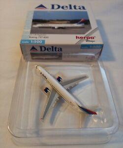 Delta Airlines Boeing 737-800 Herpa Wings 1/500 Diecast Model Plane MIB