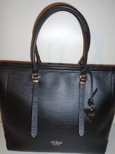 roots GUESS CLAUDIA LUXE CARRYALL EMBOSED LEATHER SOLD OUT IN N. AMERICA NWOT
