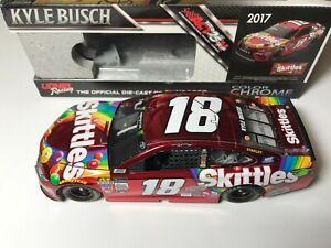 #18 Kyle Busch 1/24 - 2017 Skittles Color Chrome - NASCAR Action Lionel Diecast