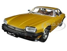 1975 JAGUAR XJS COUPE GOLD 1/18 DIECAST MODEL CAR BY ROAD SIGNATURE 92658