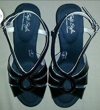 SOFT STYLE a HUSH PUPPIES Co. Women's Faux Patent Leather Sandals Black Size 7.5