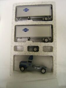 Winross Overnite Ford 9000 Tractor w/ Doubles & Dolly in box 1993 MIB