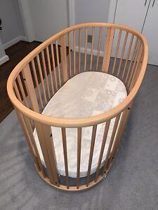 STOKKE Sleepi Crib Bed With Mattress natural wood