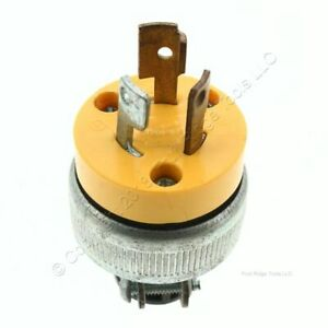 Cooper Yellow Stainless Steel Vinyl Armored Locking Plug 15A 125V 2-Pole 3W 2473