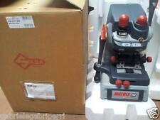 Silca MATRIX SLX 230V Key CHIAVI Canale Auto Laser Punzonatrice D810377ZB Hz50