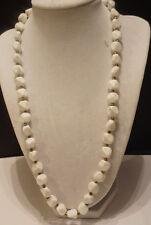 Vintage white resin beadede necklace