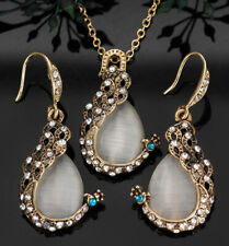 "Western style Peacock Necklace n Earring set cat's eye. 20"" Chain."
