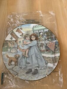 TheOfficial Royal Worcester 1987NSPCC Christmas Plate LOVE PLATE ONLY NO BOX