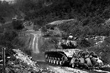 New 5x7 Korean War Photo: Infantrymen Take Cover Behind Tank near Hongchon