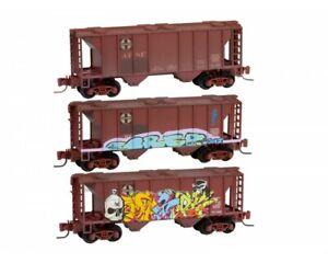 Micro-Trains 99405100 Z Santa Fe PS-2 70-Ton 2-Bay Cvd Hopper RTR (Pack of 3)