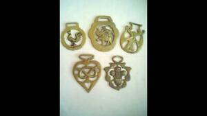 """FIVE VINTAGE HORSE BRASSES INCLUDING """"CHIPPERFIELDS CIRCUS."""""""