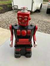 ORIGINAL 1950'S LOUIS MARX CO. PLASTIC AND METAL ELECTRIC ROBOT IN ORIGINAL BOX