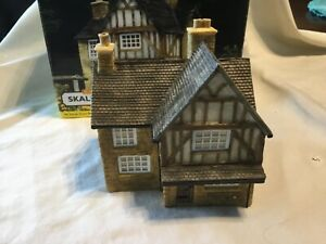 Hornby  skaledale R8506 brambles cottage unused in mint condition