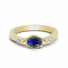 18Carat Yellow Gold Sapphire Solitaire with Accents Fine Gemstone Rings