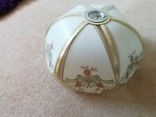 Retro ceiling lamp shade with bows on