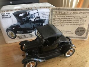 1925 Ford Model T RUNABOUT 1/32 COA Nat Museum Re A79
