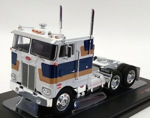 IXO Models 1/43 Scale TR078 - 1979 Peterbilt 352H - White