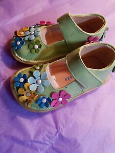 Girls Shoes Pipsqueaks Aka Rainbow Steps Toddler Non Squeaky Light Green.size 6