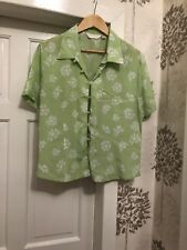 Ladies New Green White Top Size 18