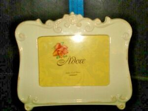 Photo Picture Frame Cream holds 4x6 photo
