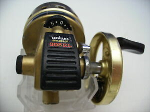 Nice Daiwa Gold Cast 308RL spin cast reel, with Thumbing Dial, new line, Japan