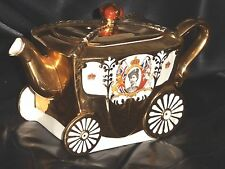 Queen Elizabeth 2nd Coronation  golden coach Carriage  Teapot 1953