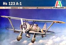 Henschel Hs 123A-1 de ITALERI a escala 1/48